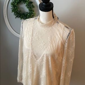 Line and dot cream long sleeve lace top